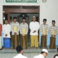Sirojuth-tholibin.net&gt;&gt; Suara rampak rebana Durrotus Shofa mengiri penyerahan ijazah oleh Ust. H. AM. Hilmy Mujtaba kepada empat Wisudawan santri Madrasah Tahassus (MT) Sirojuth Tholibin Brabo. Ya. malam itu (kamis, 19/4/12)...