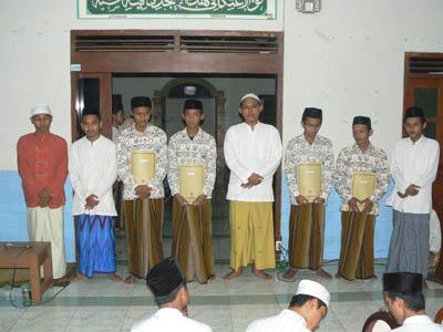 Muwaddaah Santri Madrasah Aliyah Dan Wisuda Santri Madrasah Tahassus